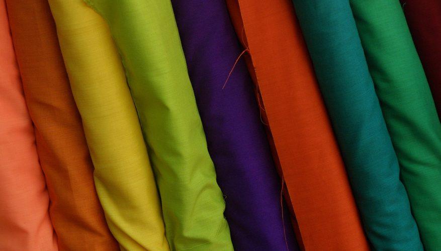 Cómo pegar tejido sin coser