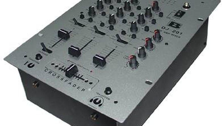 Cómo usar una mezcladora para DJ