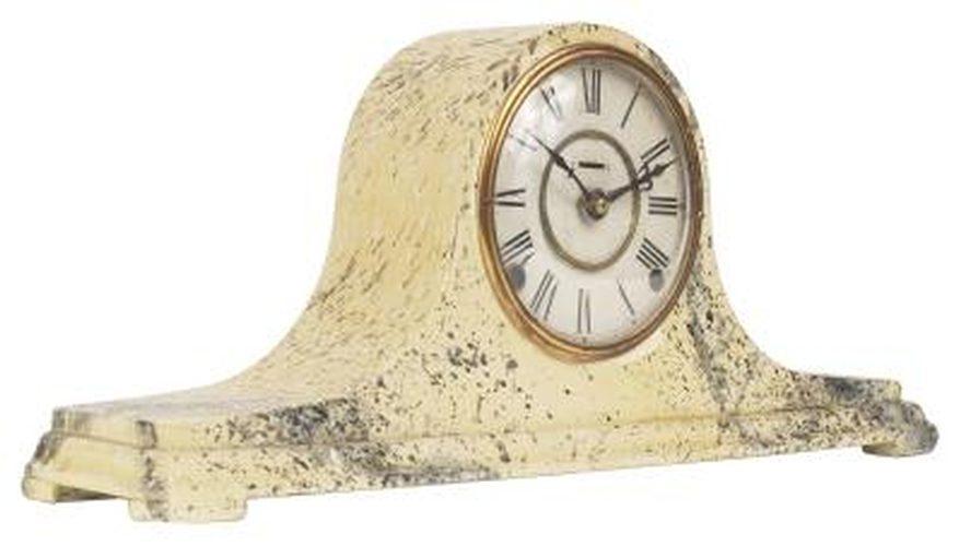 Cómo ajustar un reloj de sobremesa