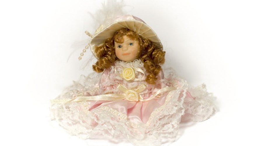 Cómo decir la diferencia entre las muñecas de bizcocho antiguo y de reproducción