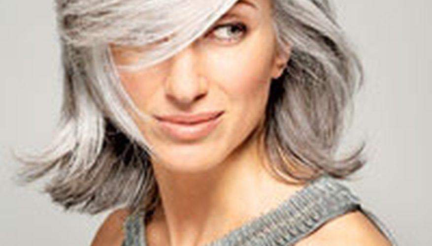 Cómo teñir tu cabello de plata