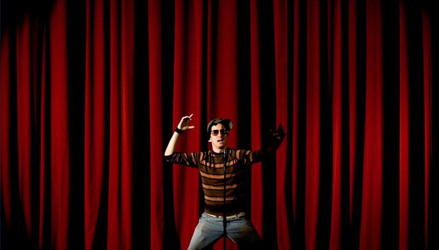 Cómo conseguir conciertos de comedia de pie