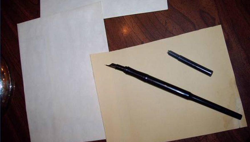 Cómo poner cartuchos de tinta en plumas de caligrafía manuscrita