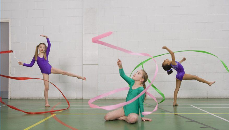 Cómo realizar una danza de cinta