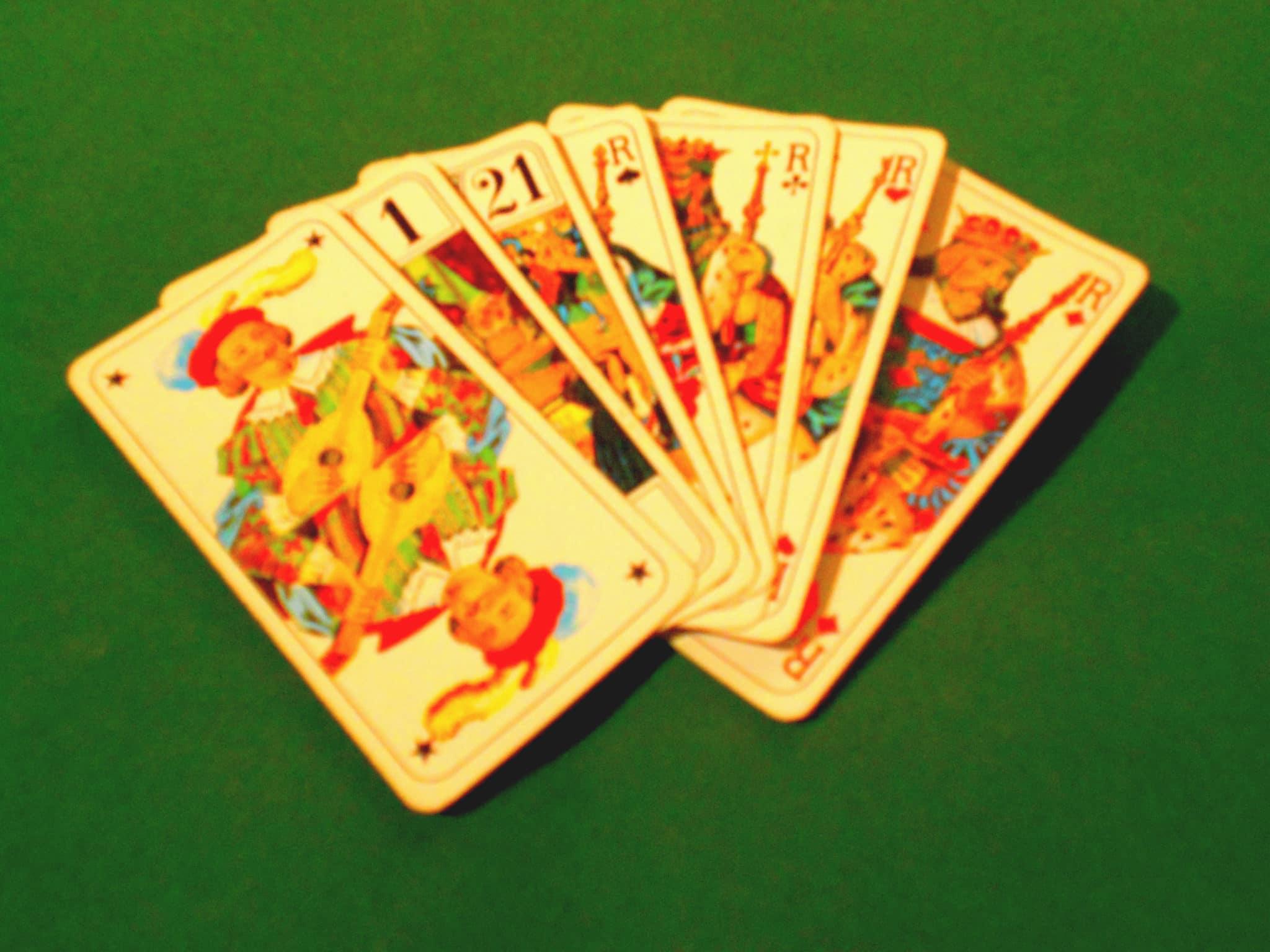 Regla del tarot de 3 jugadores