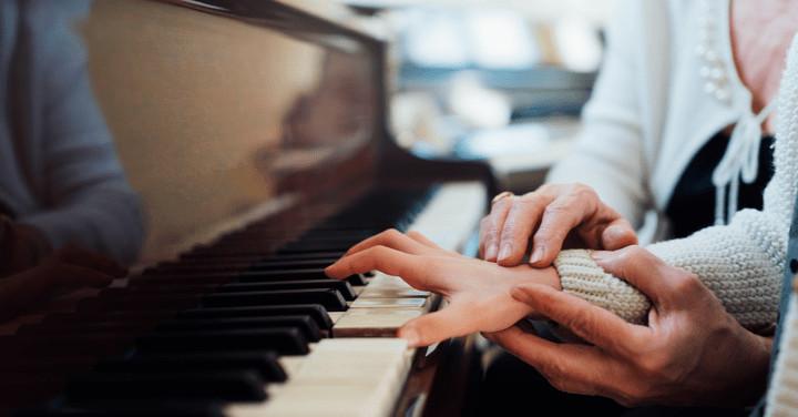 Las 5 canciones más fáciles de aprender al piano
