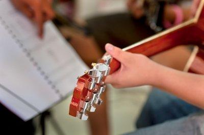 ¿Estás buscando lecciones de música?  Esto es lo que tengo que preguntarme.