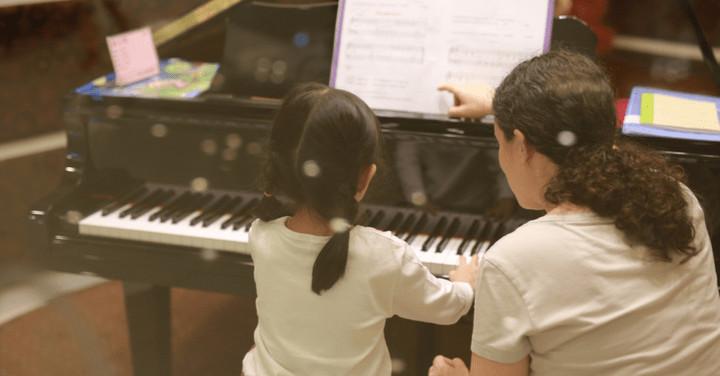 Elegir el piano pequeño adecuado para su hogar en Nueva York
