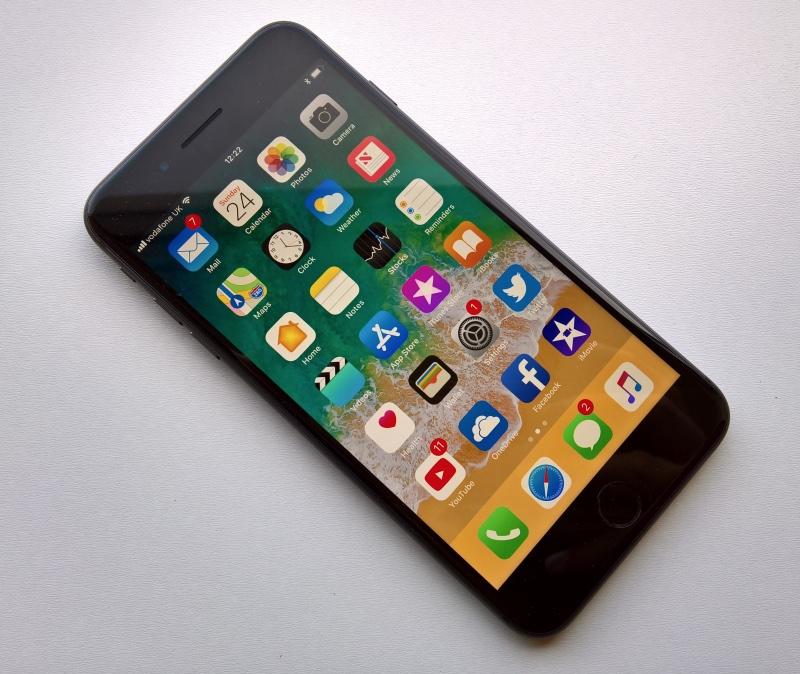 Vista frontal del iPhone 8 Plus