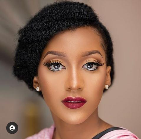 Más fotos de la bella princesa de Kano Yusuf Buhari supuestamente preparada para casarse