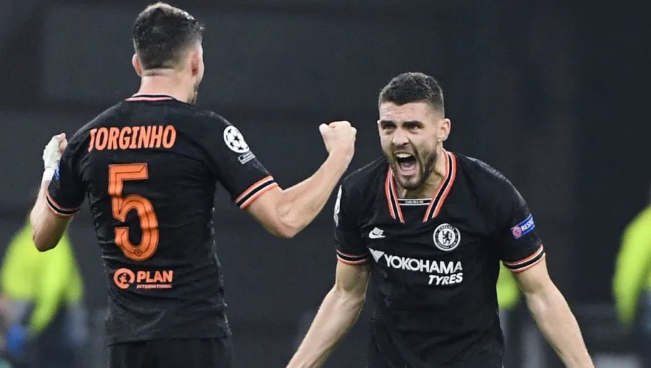 Los centrocampistas del Chelsea Jorginho y Kovacic