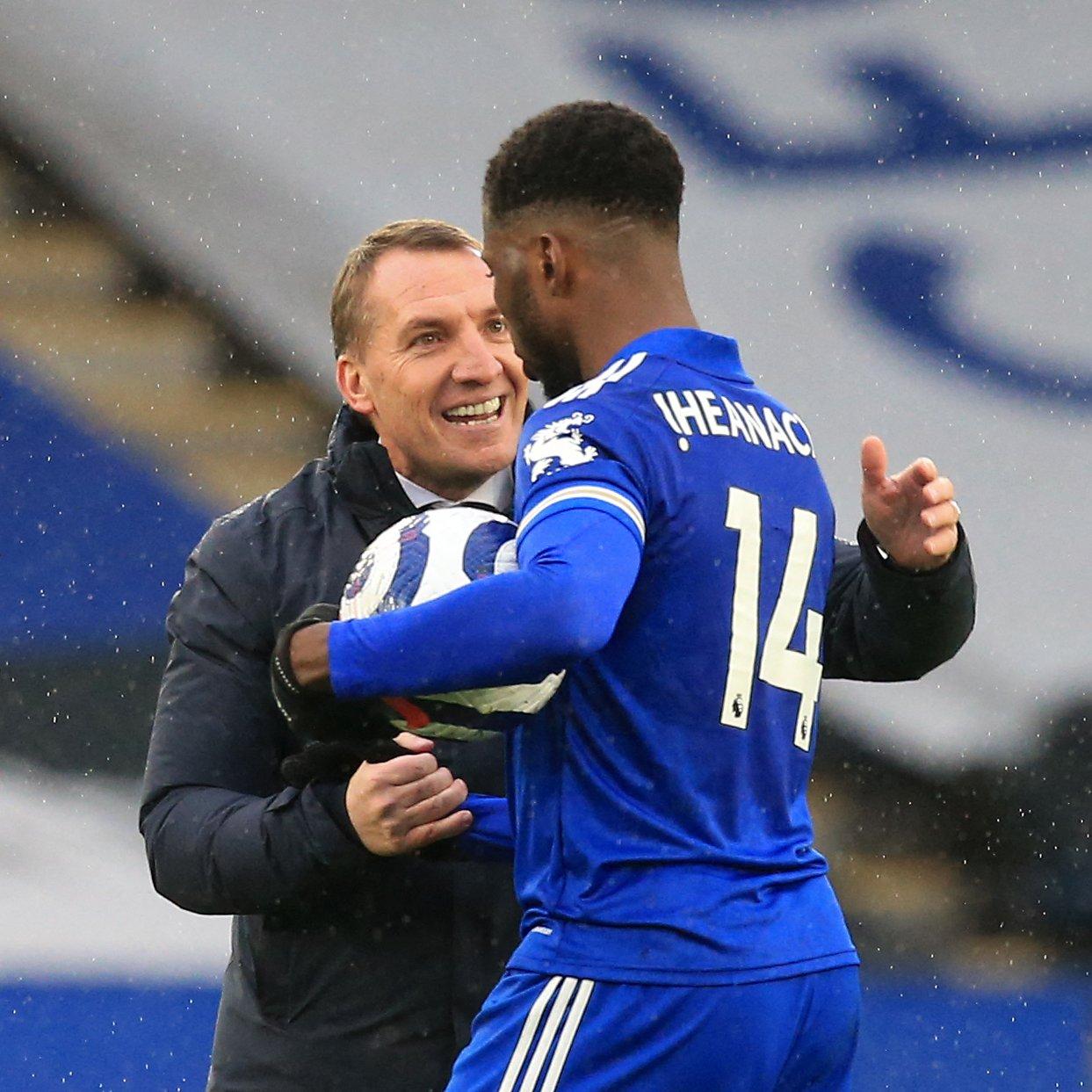 El entrenador y delantero del Leicester City Kelechi Iheanacho