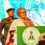 Después de 6 meses de ausencia, la primera dama Aisha Buhari regresa a Aso Rock