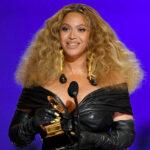 La reina Beyoncé rompe el récord de los GRAMMY de más victorias
